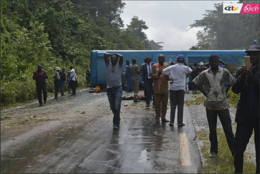 A Fatal car accident just occurred along the Douala - Yaounde